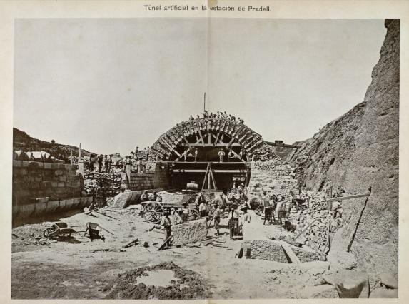 Obres fals túnel 72