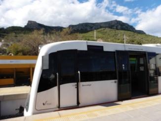 Trenet, amb la Serra d'Oltà al fons