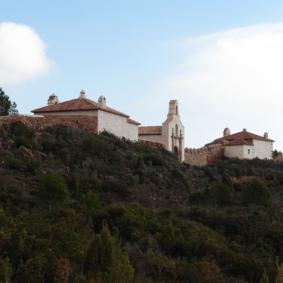 Porteria Alta: ermites de St. Joan (esq.) i del Carme (dr.)