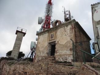 Cim del Bartolo: ermita de St. Miquel
