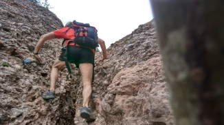 Baixant el Coll de la Roca Plana dels Llamps