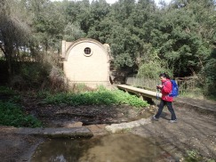 Caseta d'aigües prop de l'àrea de lleure de Can coll