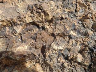 Mostra de roca a l'esplanada de l'antiga zona d'extracció