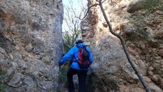 Escletxa accés al castell de Gelis