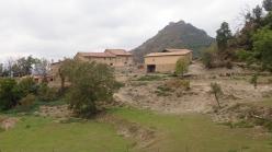 L'Adam i castell de Besora al fons